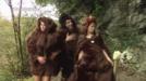 Nola sortu ziren euskal matriarkatua eta Balenciagaren moda?