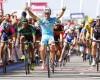 Victoria de etapa y liderato para Andrea Guardini