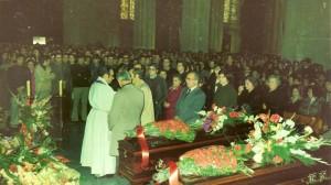 Jesús Fernández Naves se dirige a los asistentes al funeral