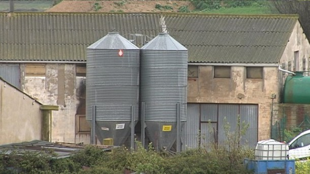La granja de gallinas en Arróniz (Navarra), en la que ha tenido lugar el accidente laboral. EiTB