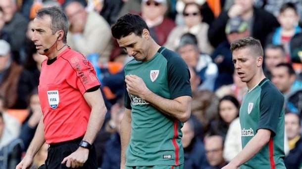 Aduriz y Muniain, en el partido disputado en Valencia la pasada temporada. Foto: Efe.