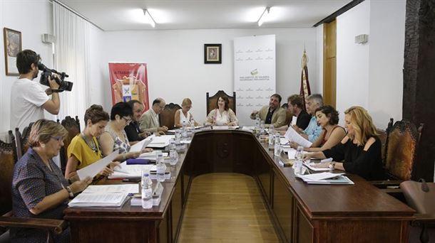 Nafarroako Parlamentuaren bilera, Altsasun. Argazkia: EFE