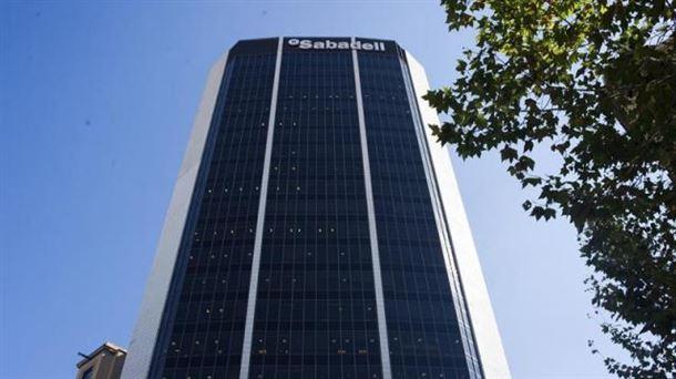 Edificio corporativo del Banco Sabadell de Barcelona. Foto: EFE