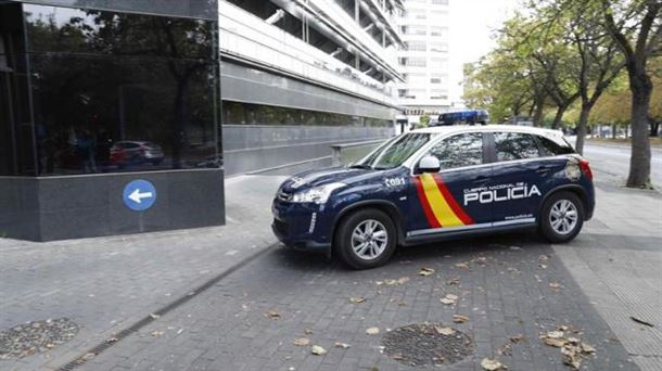 Ana Belen Jimenezen senarra Gasteizera ekarri duen autoa. Argazkia: EF
