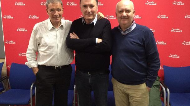 Ernesto del Río con Félix Linares y Kike Martín en los estudios de Radio Euskadi (Foto EITB)