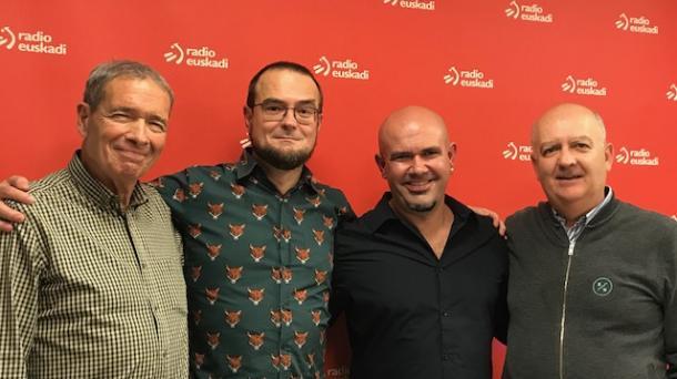 Los comiqueros Mauro Entrialgo y Kike Infame con Félix y Kike en los estudios de Radio Euskadi