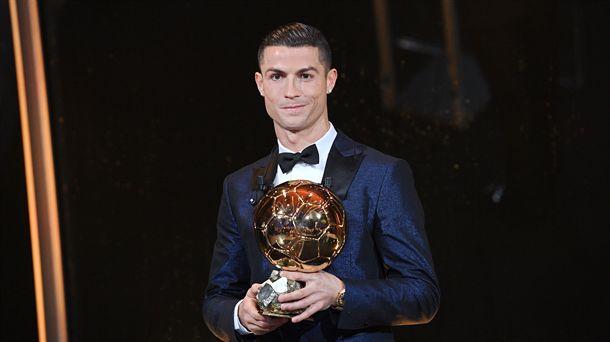 Ronaldo, saria jasotzen Parisen / EFE.