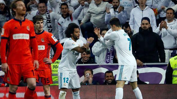 Cristiano Ronaldo eta Marcelo, Realari sartutako bost goletako bat ospatzen. Argazkia: EFE