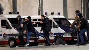 Bilbao muestra su repulsa por los incidentes y la muerte de un ertzaina